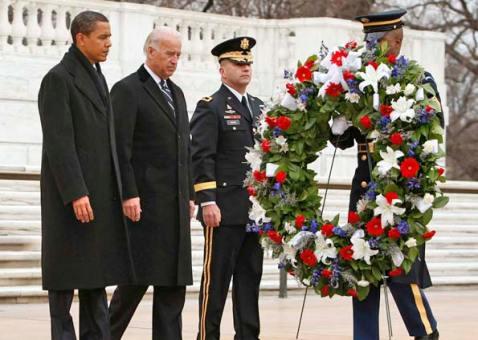 Homenagem do presidente norte-americano Barack Obama, ao túmulo do Soldado Desconhecido, em Arlington