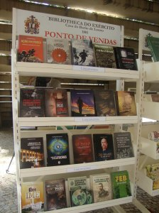 Stand de vendas da Bibliex.