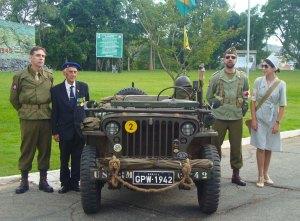 O amigo Marcos Renault, acompanhado de um veterano da FEB e integrantes da Coluna da Vitória durante a escala em S.J. del Rei